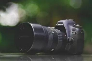 動画撮影用にCanonの一眼レフカメラ