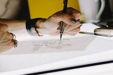 デザイン業界=Adobe Illustrator