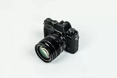 一眼レフカメラメーカー④ | FUJIFILM