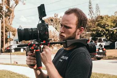 カメラリグの選び方❶|ショルダーリグ